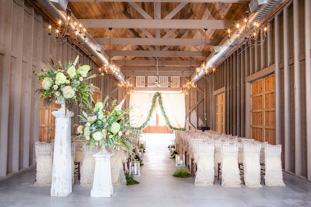 Rustic wedding ceremony - PPD Studios