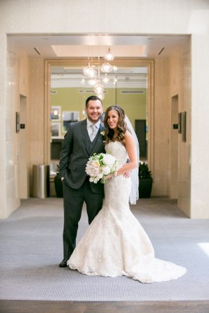 Stylish bride and groom - Erin Johnson Photography