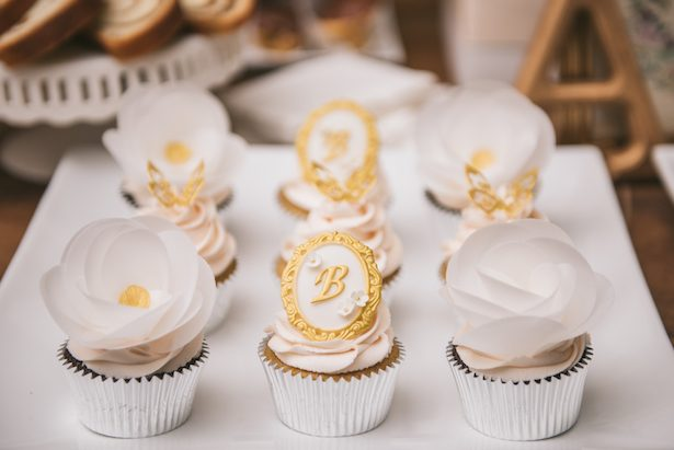 Wedding cupcakes - Manifesto Photography