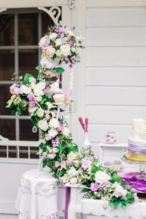 Wedding floral waterfall decoration - L'estelle Photography