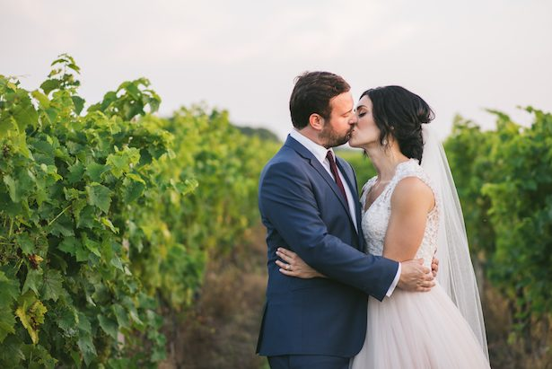 Wedding kiss - Manifesto Photography