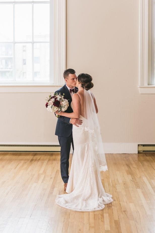 Wedding kiss - Manifesto Photography (W& Q)