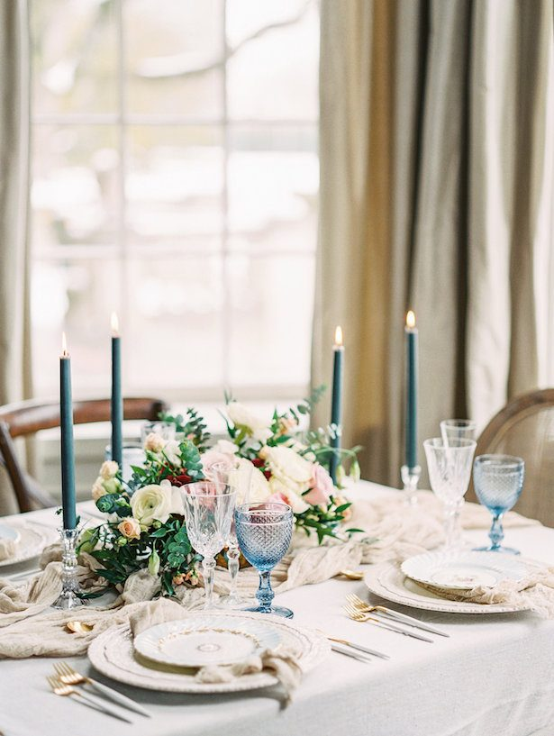 Beautiful wedding tablescape - Whitney Heard Photography