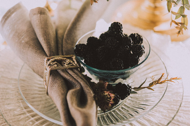 Blackberry wedding details - Cristina Navarro Photography