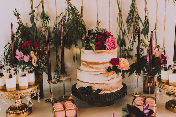 Bohemian wedding cake table - Cristina Navarro Photography