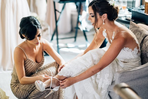 Bride getting ready - Esteban Daniel Photography
