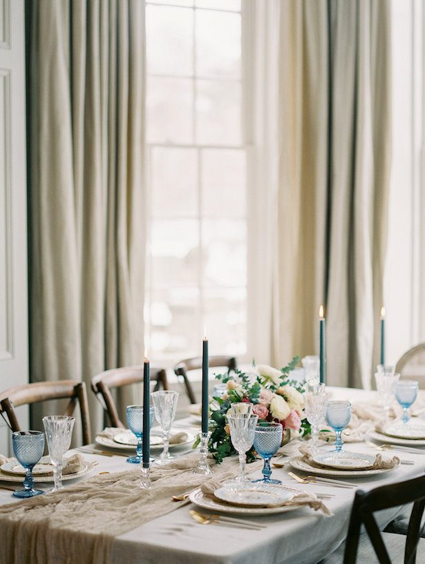 Classic wedding tablescape - Whitney Heard Photography