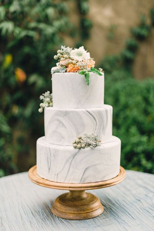 Marble Wedding Cakes - Rustic White Photography