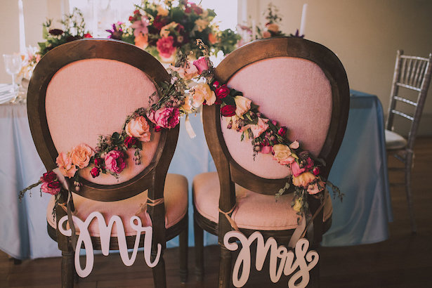 Wedding Chairs and signs - Cristina Navarro Photography
