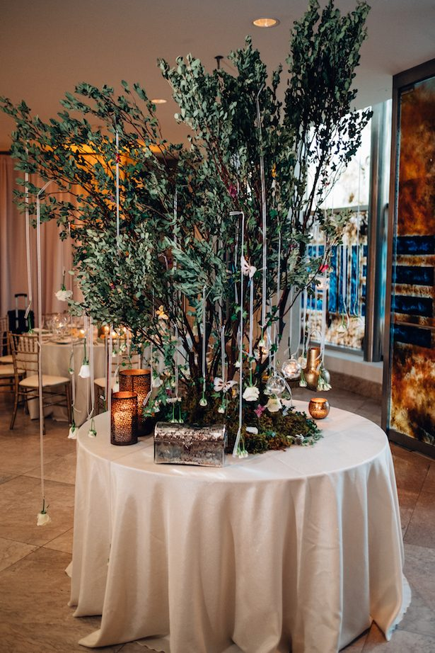 Wedding tree centerpiece - Esteban Daniel Photography