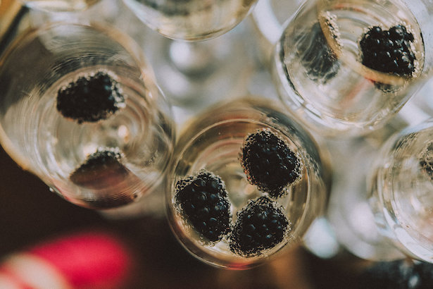 Champagne and black berries - Cristina Navarro Photography