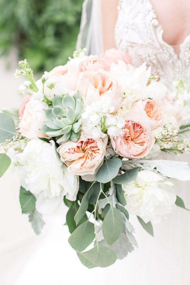 A Stylish Peach Wedding That Will (Literally) Take Your Breath Away