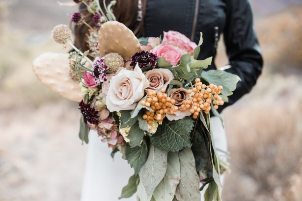 Desert inspired wedding bouquet -6