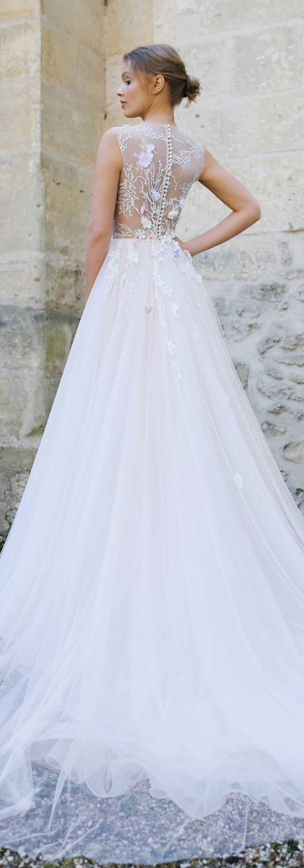 20 fabulous wedding dresses you can buy on etsy belle for Etsy dresses for weddings