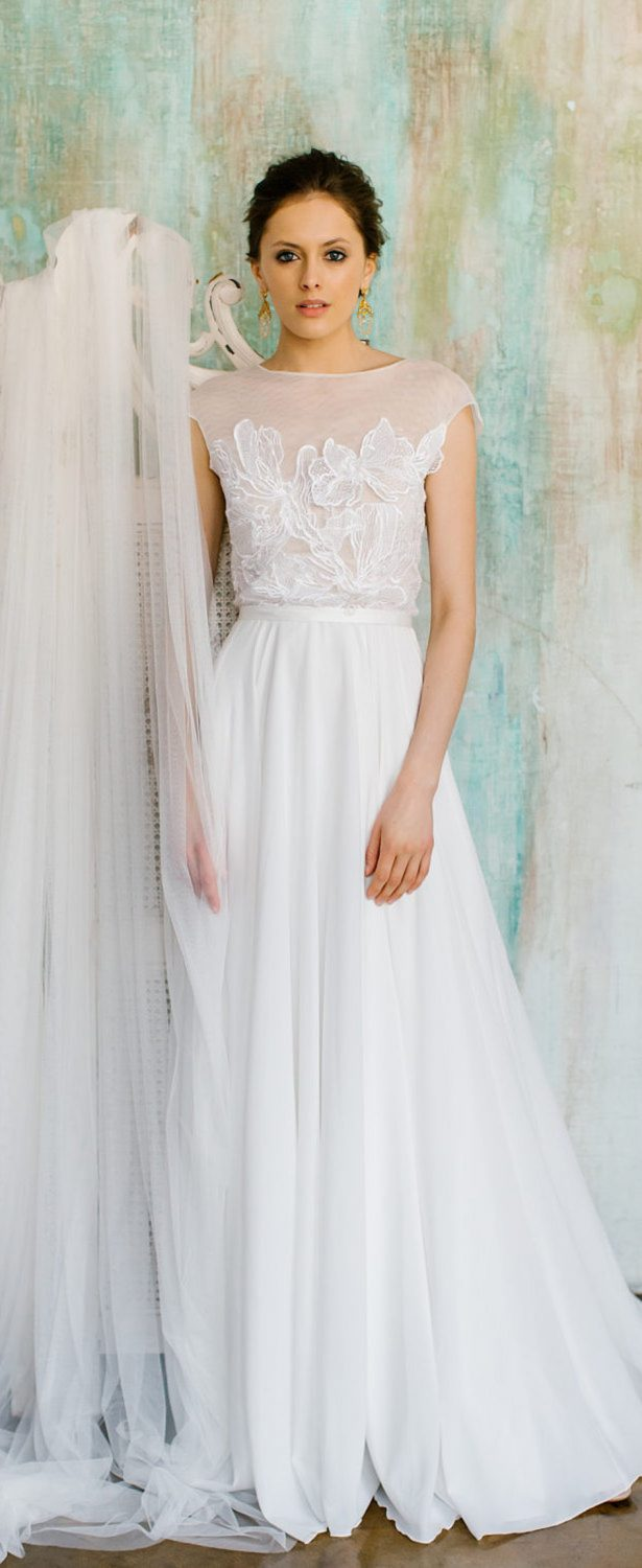 20 fabulous wedding dresses you can buy on etsy belle for Wedding dress on etsy