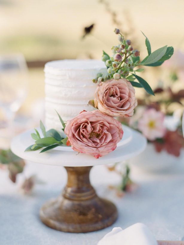 Beautiful Dusty Rose Wedding Ideas That Will Take Your Breath Away - Dusty Pink Wedding Cake