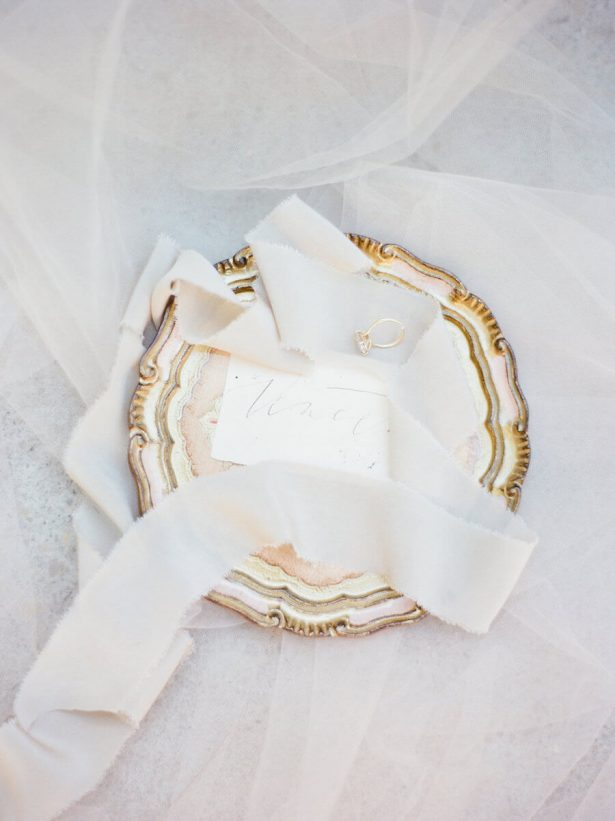 Gold Bridal Accessories - Stella Yang Photography