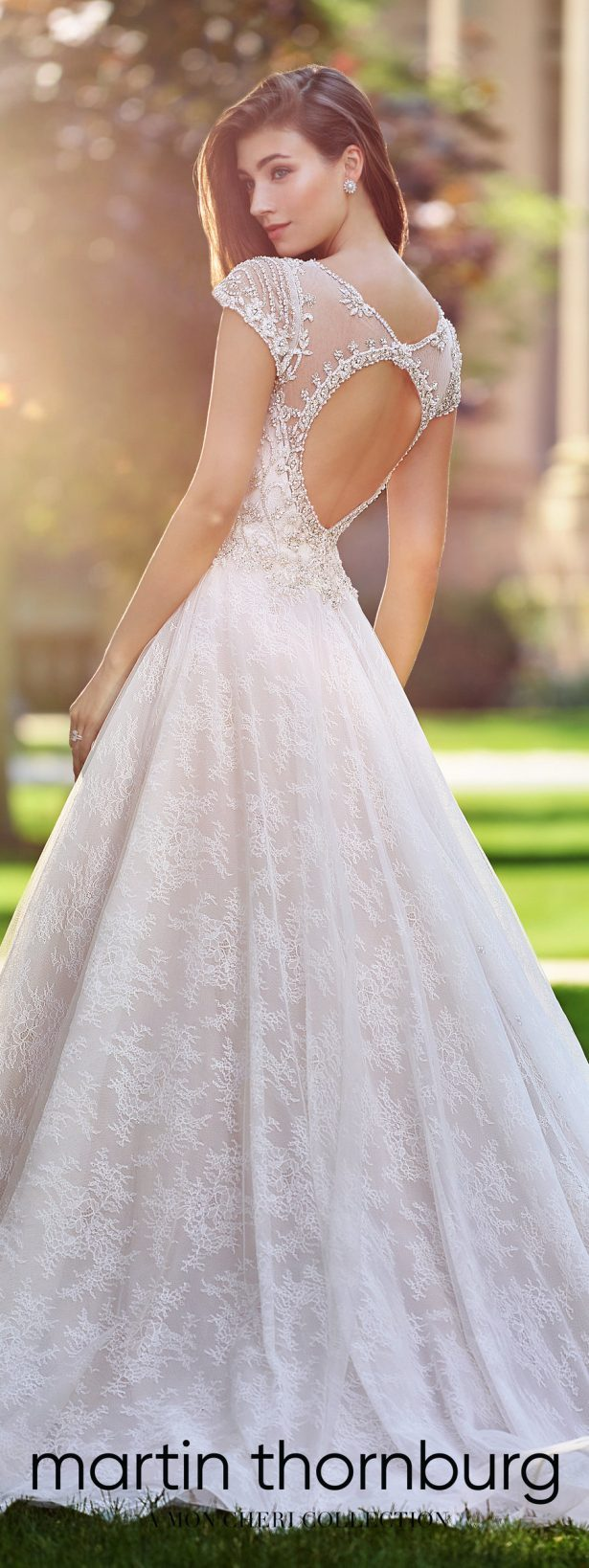 World exclusive wedding dresses spring 2018 by martin thornburg wedding dresses by martin thornburg a mon cheri collection spring 2018 ombrellifo Images