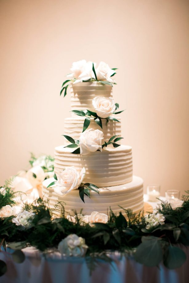 White classic Wedding Cake - Lindsay Campbell Photography