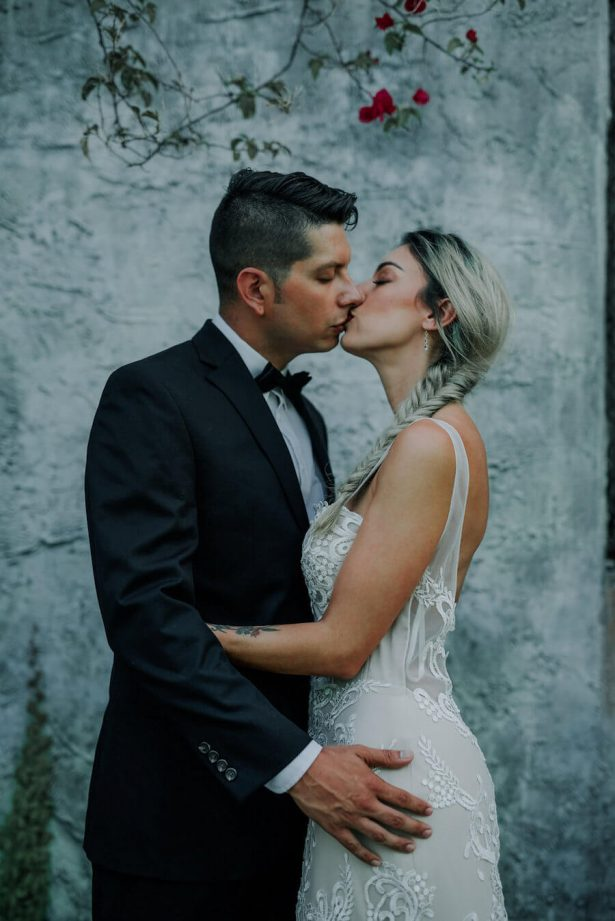 modern wedding - Lindsey Morgan Photography