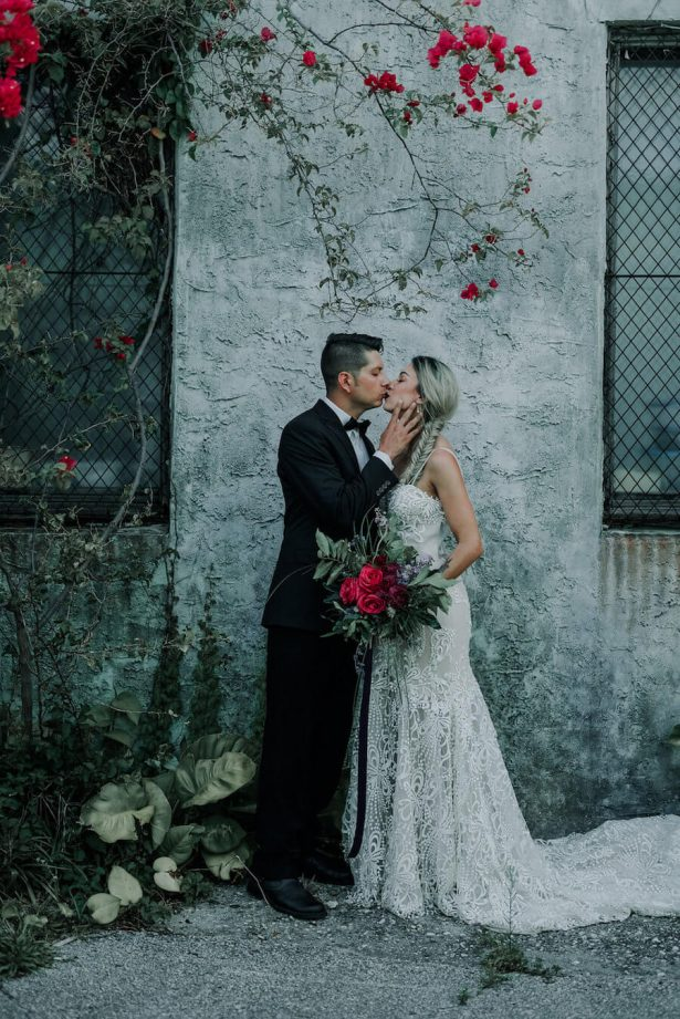 wedding kiss - Lindsey Morgan Photography
