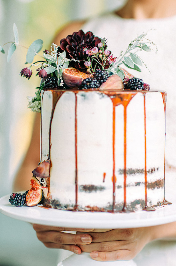 Fall Wedding Cake - Petra Veikkola Photography