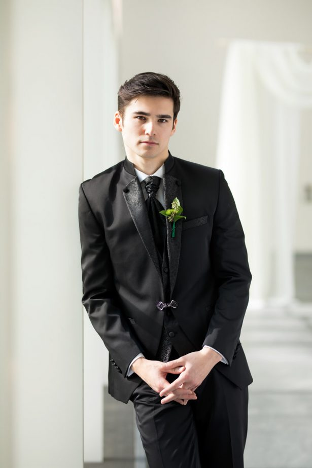 Groom Boutonniere – Tom Wang Photography