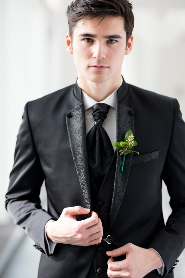 Groom Boutonniere - Tom Wang Photography