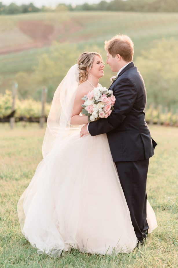 blush winery wedding - Alicia Lacey Photography