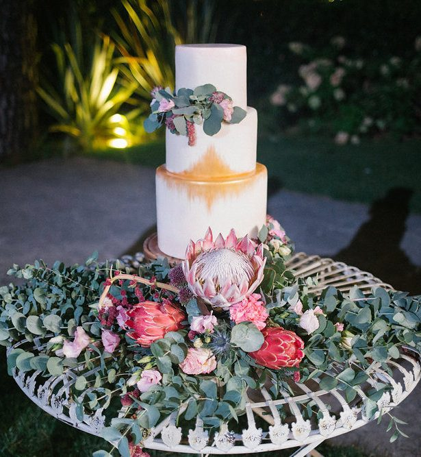 Proteas and Ribbons: A Colorful Boho Wedding in Lake Como