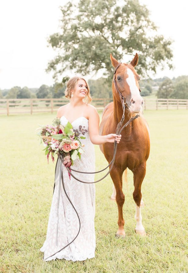 Bride and Horse - Alexi Lee Photography