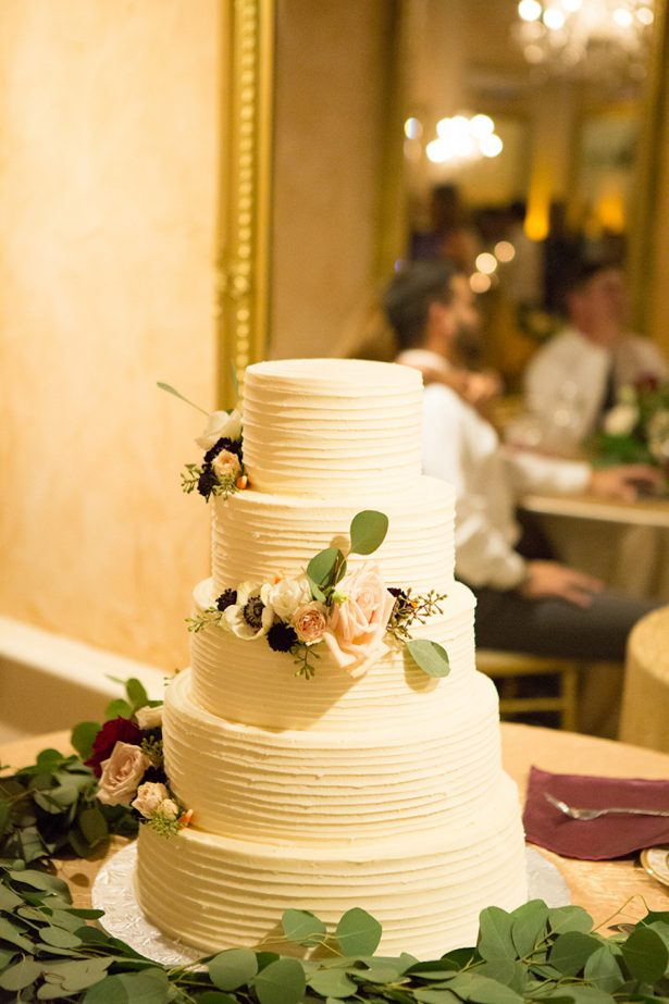 Classic Wedding Cake - Paige Vaughn Photography