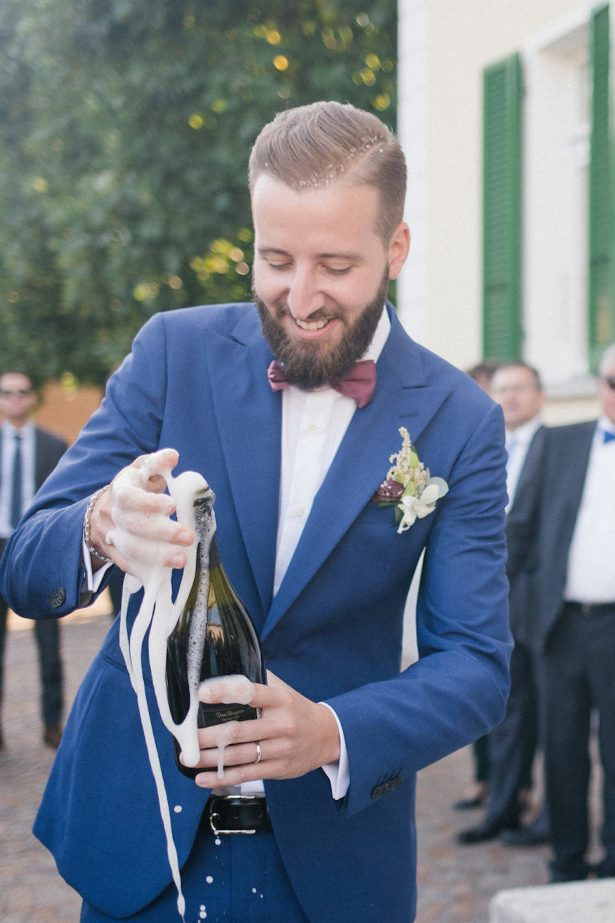 Groom in blue suit - Photography: Irene Fucci