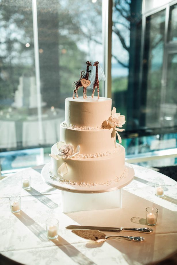All White Wedding Cake - Esvy Photography