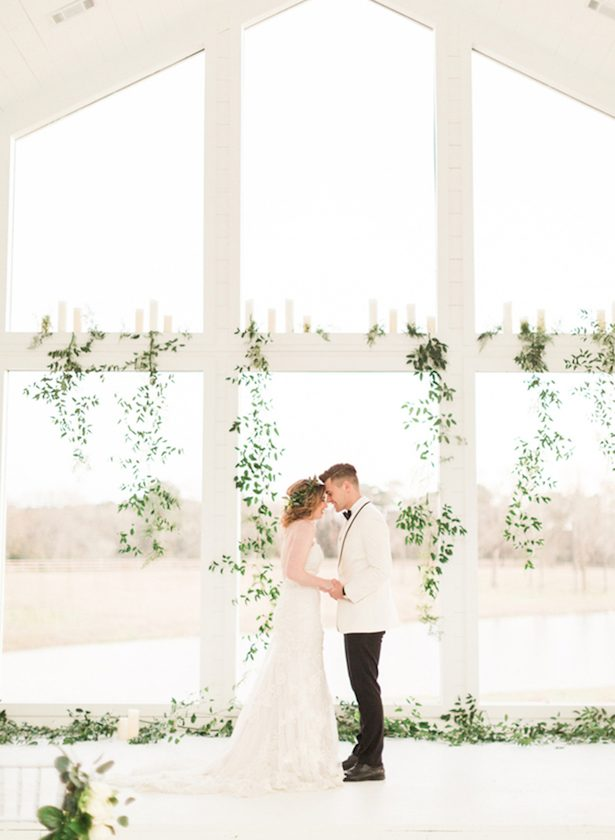 Ceremony - All White Wedding Ideas - Fulleylove Photography