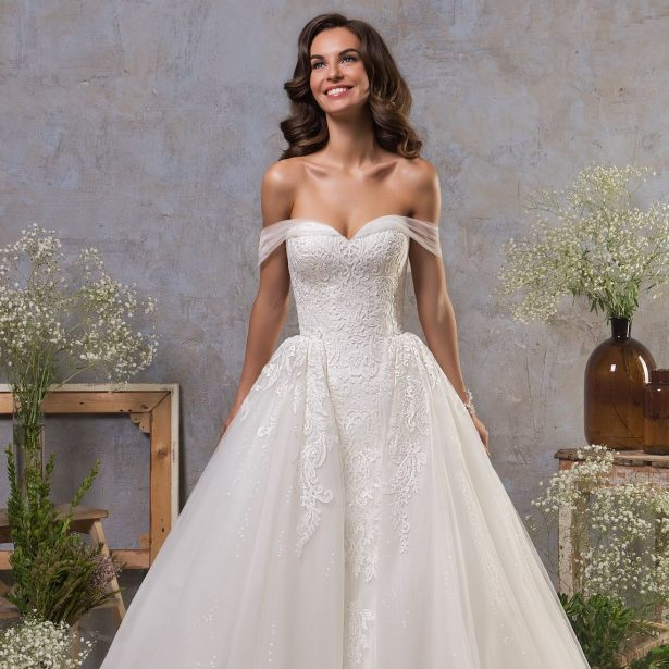 Amelia Sposa Fall 2018 Wedding Dresses