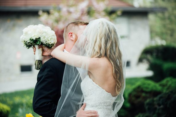 An All-White Elegant Wedding That Will Stand the Test of Time - Esvy Photography