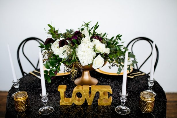 Black and Gold Centerpiece - Sparrow and Gold Photography
