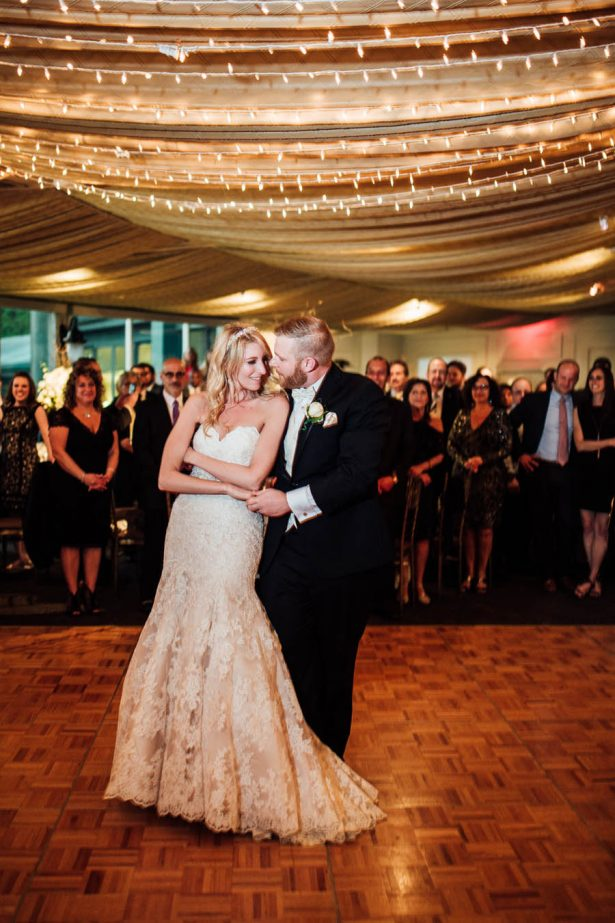 Bride and Groom First Dance - Esvy Photography