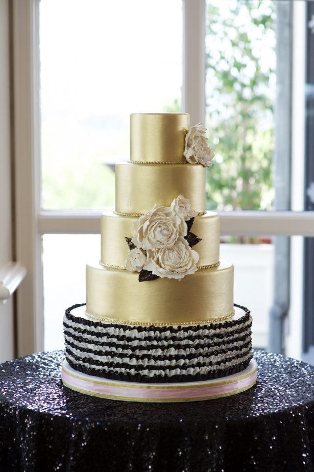 Glitz and Glam Wedding Ideas - NYE - 008. Beverly's Bakery - Davello Photography