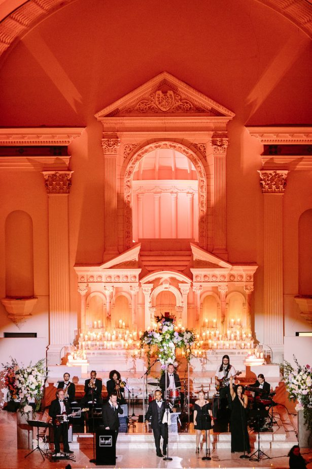 Glitz and Glam Wedding Ideas - NYE - 009. Bob Gail Music - Brian Leahy Photo