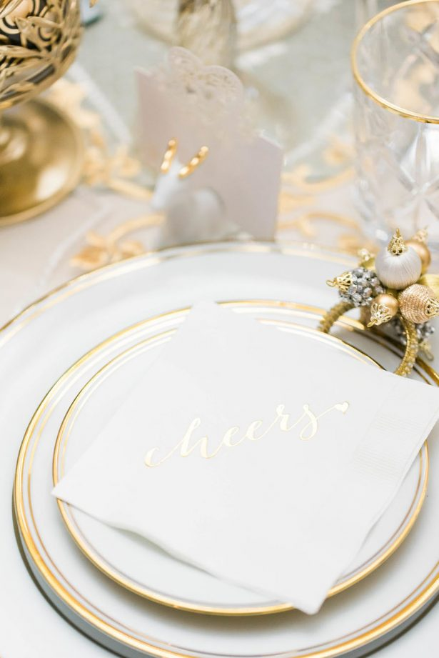 Holiday Wedding Decor - Lula King Photography