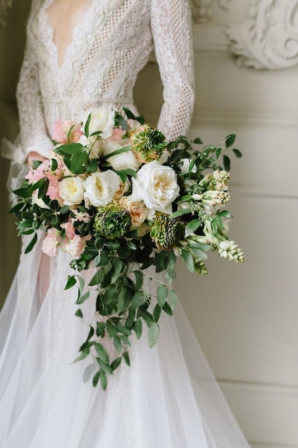 Stunning Winter Wedding Bouquet - Photographer: Mango Studios