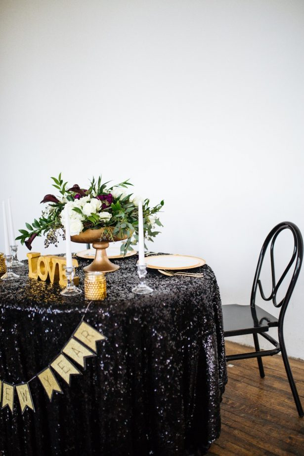 Black and gold Sweetheart table - Sparrow and Gold Photography