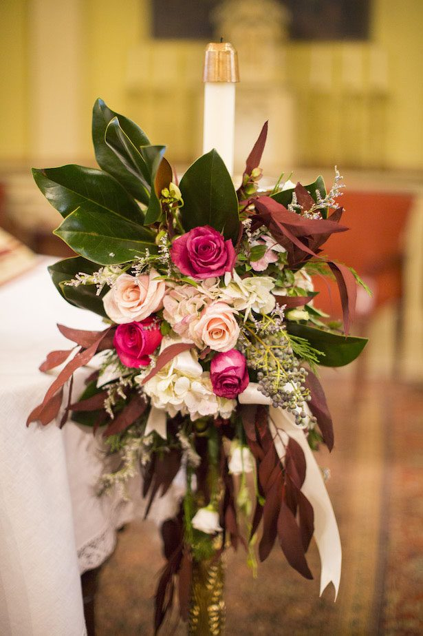 Wedding Ceremony flowers- Anna Schmidt Photography