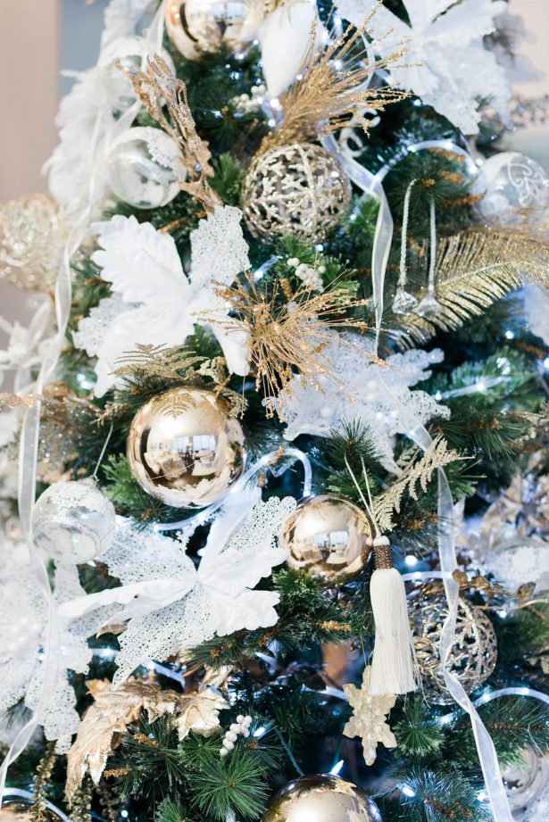 Wedding Christmas Tree - Lula King Photography