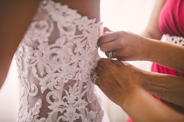 Bride Getting ready - Julian Ribinik Photography
