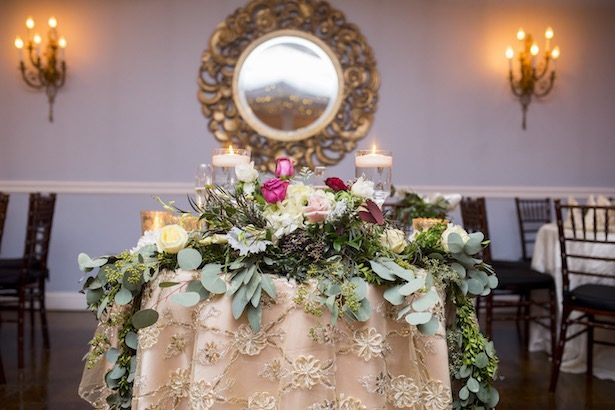 Wedding sweetheart table - Anna Schmidt Photography