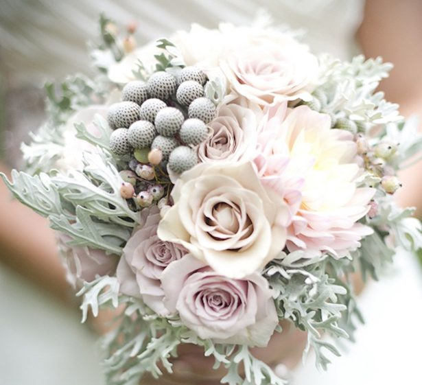 20 Stunning Winter Wedding Bouquets