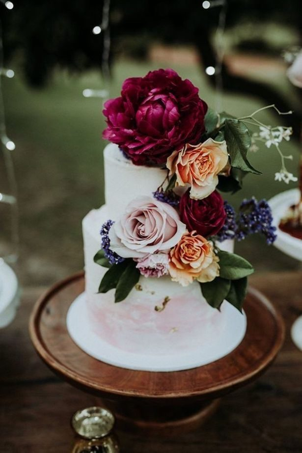 burgundy wedding cakes burgundy wedding ideas that will take your breath away 12246